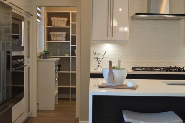 Zo maak je van jouw bijkeuken een nette, overzichtelijke ruimte
